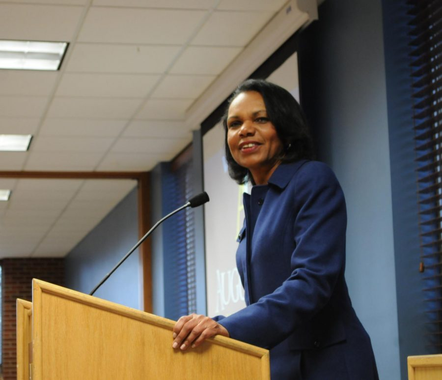 Condoleezza Rice speaking to young journalists at Augustana University